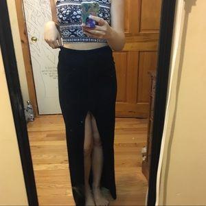 Long maxi skirt black
